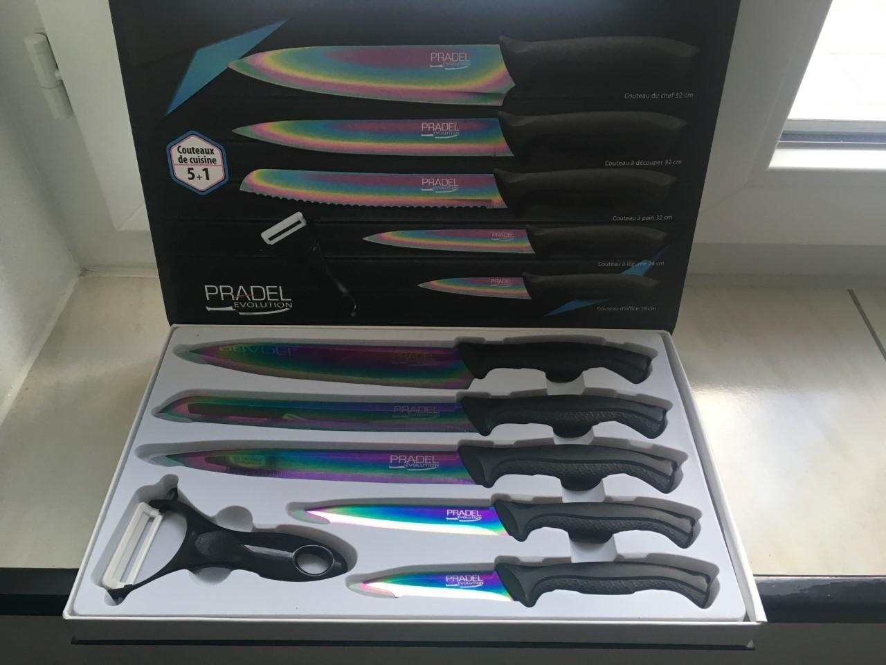 Coffret de 5 couteaux de cuisine au prix de 23,50 euros.